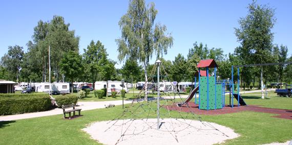 Spielplatz - Kategorie D, © Chiemsee Camping