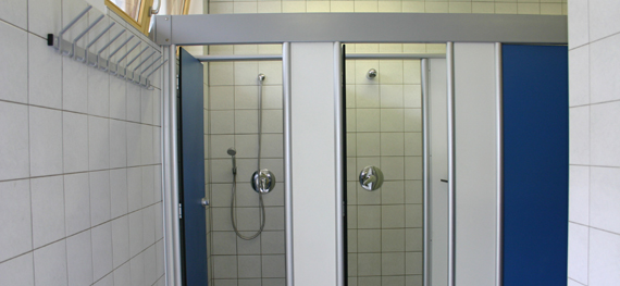 Duschen Herren, © Chiemsee Camping