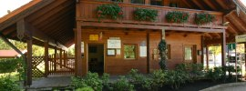 Bürogebäude Eingang, © Chiemsee Camping