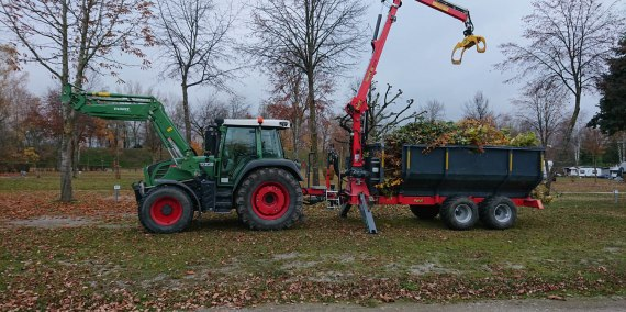 Abtransport Baumschnitt, © Chiemsee Camping Rödlgries