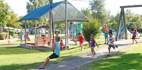 Kinderspielplatz Campingplatz, © Chiemsee Camping