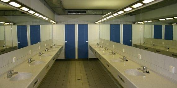 Herren Waschraum, © Chiemsee Camping